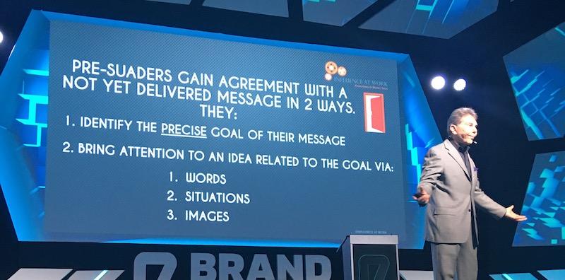 Robert Cialdini la Brand Minds despre PRE-SUASION