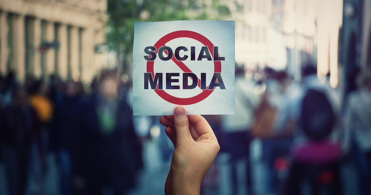 scandaluri Social Media